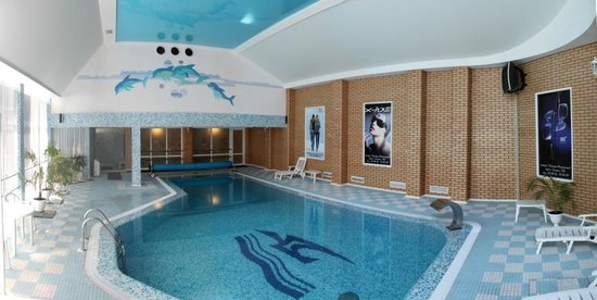 Hotel Ingul: Sweeming pool