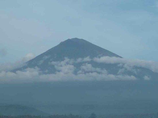 Apa Kabar Villas : over looking view of agong