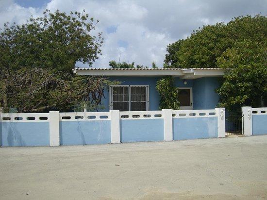 Bruce Bowker's Carib Inn: The house at Carib Inn