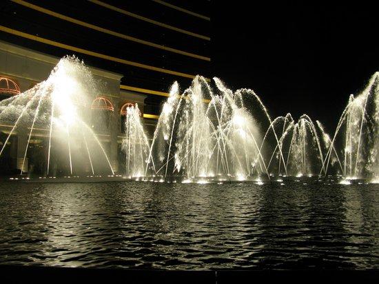 Wynn Macau: фонтан