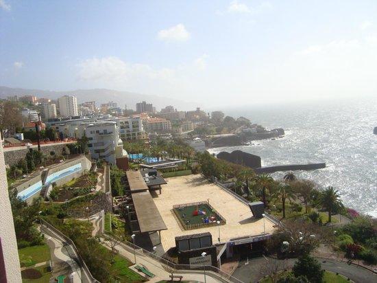 Hotel Baia Azul: vista para funchal