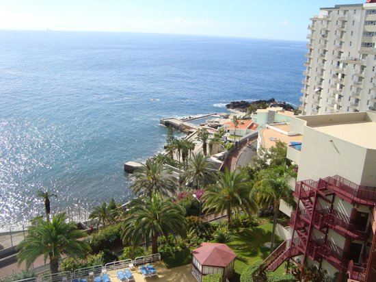 Hotel Baia Azul: vista para Sul e para as piscina naturais