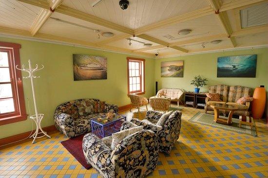 Guru Tea House: upstairs seating