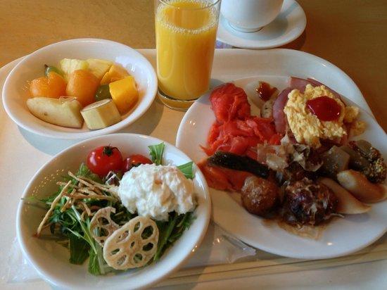 Hotel Osaka Baytower: バイキングの朝食例