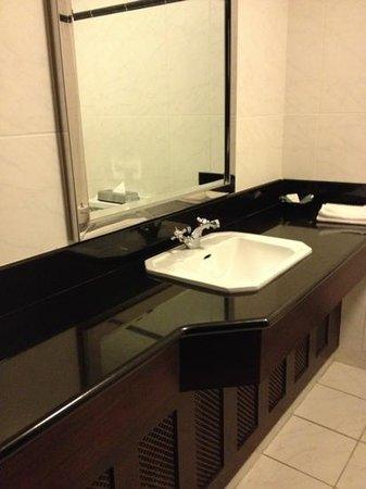 Glenroyal Hotel & Leisure Club: clean bathroom