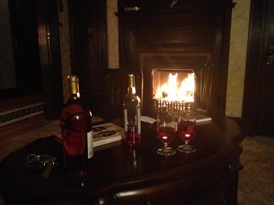 Red Crags Estates: romantic evening by the fire!!