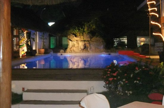 Pinjalo Resort Villas: The training pool at Claypso Diving Centre