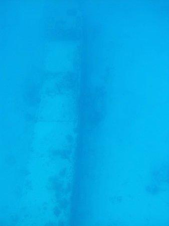 Gumption's Tours BVI : Airplane rest 50 feet deep on the sea bottom.