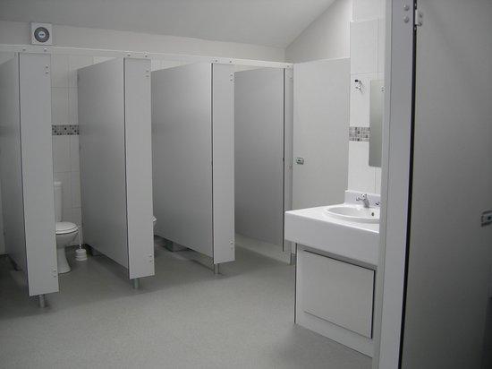 Whitemead Caravan Park: Toilet block