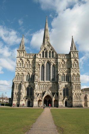 La facciata della Salisbury Cathedral