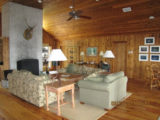 The Lodge on Little St. Simons Island: Livingroom in the River Lodge