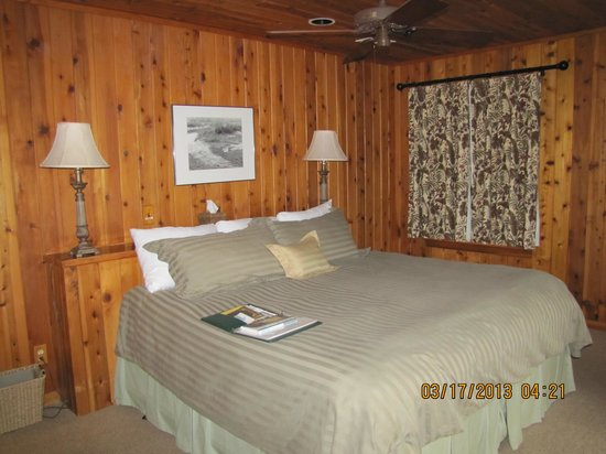 The Lodge on Little St. Simons Island: Bedroom in River Lodge