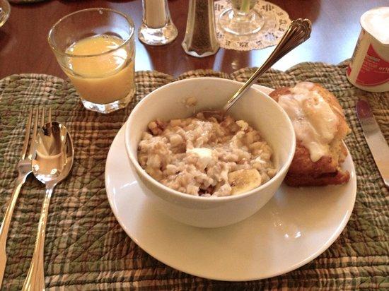 Best Western Plus Elm House Inn: Breakfast