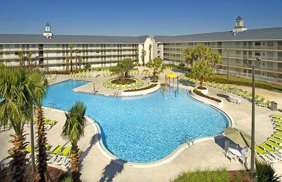 Avanti International Resort : Avanti Resort Pool