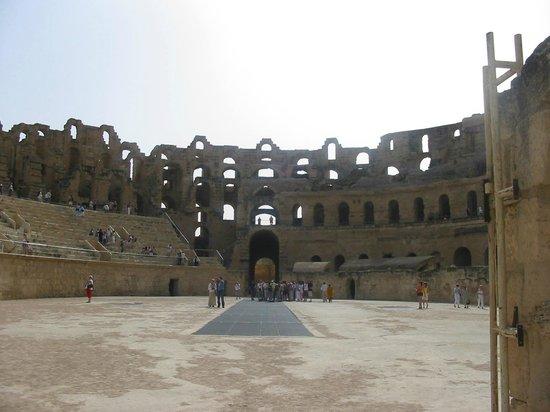 El Mouradi Palace: Anfiteatro