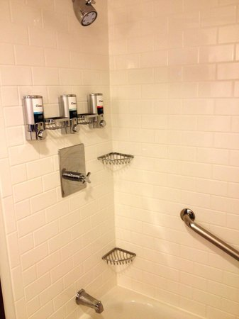 Four Points By Sheraton Galveston: Shampoo, body wash and condition provided in the shower.