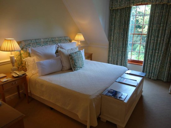 The Cellars-Hohenort: lovely clean rooms