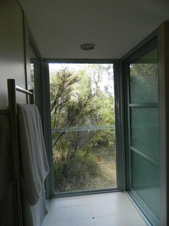 Hidden Valley Forest Retreat: The amazing shower
