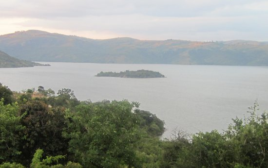 Maguga Lodge: island view from deck