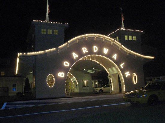 Disney's BoardWalk Villas: Entrance to Boardwalk hotel