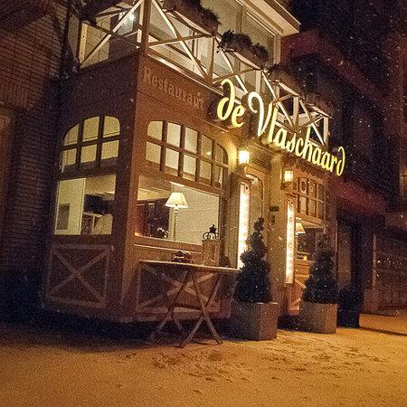 Vlass: Foto tijdens de feestdagen, sneeuw, Het Restaurant