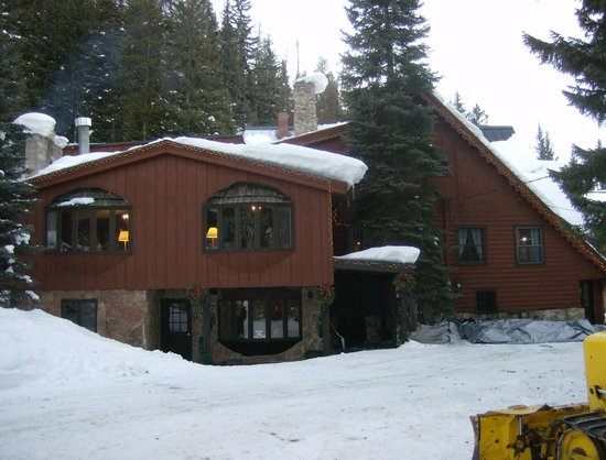 TimberHouse Ski Lodge : Front entry lower level, great room with baby grand piano 2nd floor