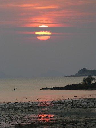 Lipstick Cabana: couche de soleil vue de la chambre