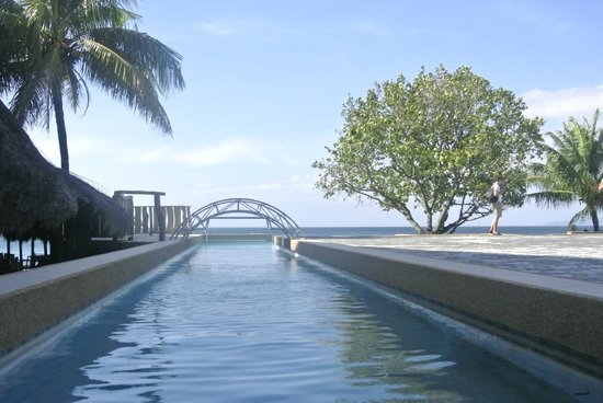 Tamaraw Beach Resort: piscine