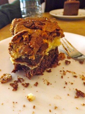 Barcomi's Deli: Monster brownie