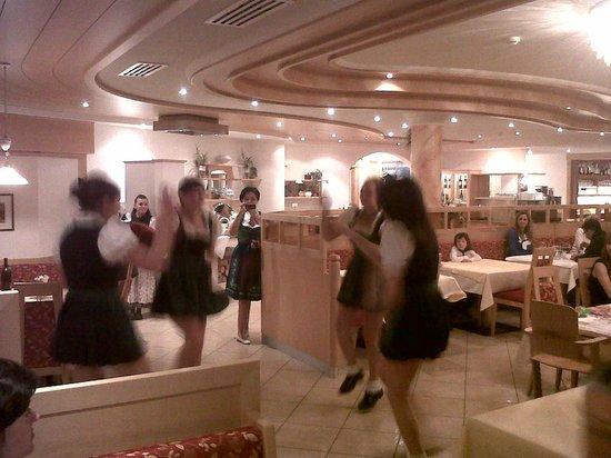 Hotel Masl: danze tirolesi
