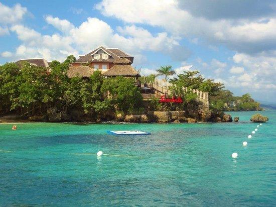 Sandals Ochi Beach Resort: Beach area
