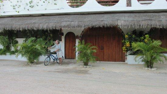 Posada Yum Kin: front entrance