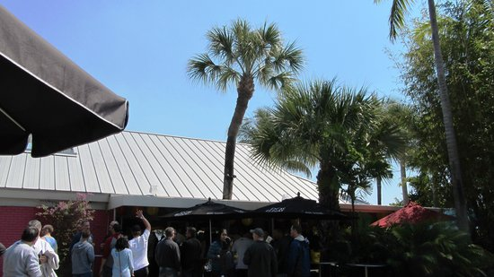 Rosie's Bar & Grill: exterior