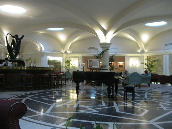 The Phoenicia Malta: The Palm Court Lounge
