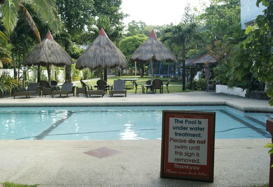 Tonglen Beach Resort : The pool is clean everyday