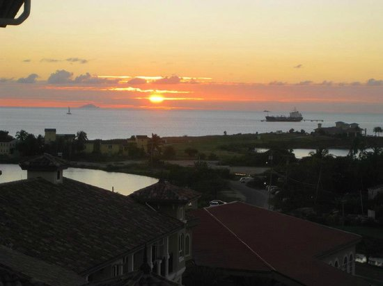 Sandals Grande Antigua Resort & Spa: View from our room, top floor Mediterranean side