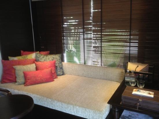 Anantara Mai Khao Phuket Villas: day bed