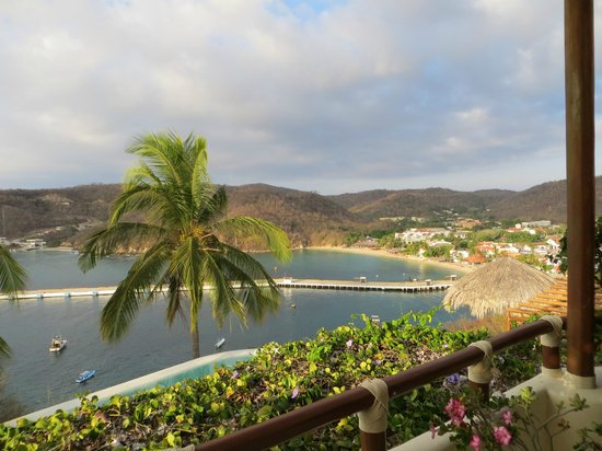 Sueno Real: View of Santa Cruz