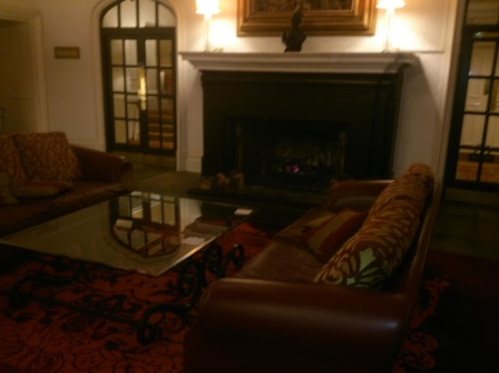 St Pierre Marriott Hotel & Country Club: log fire