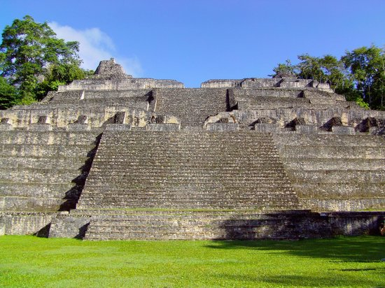 Hidden Valley Inn: Mayan Temple Ruins