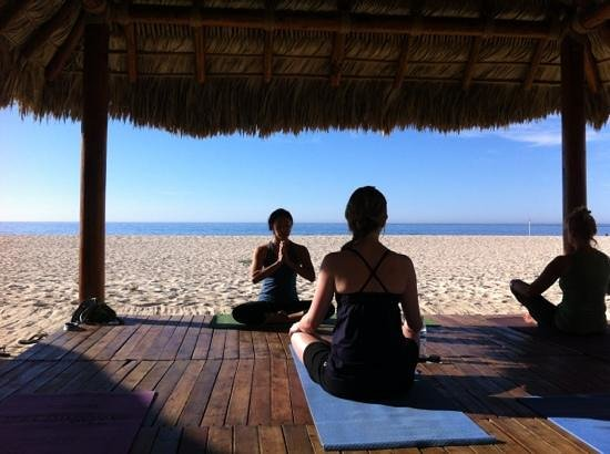 Casa del Mar Golf Resort & Spa : Yoga on the beach in Los Cabos with Ivonne