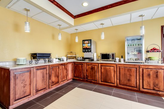 BEST WESTERN Geneseo Inn: Breakfast