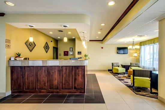 BEST WESTERN Geneseo Inn: Front Desk