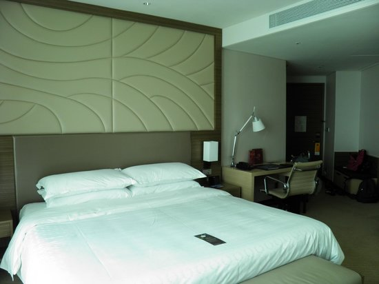 Sheraton Seoul D Cube City Hotel: spacieuse