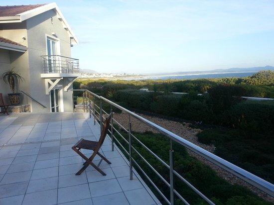 Abalone Guest Lodge: Blick von der Terrasse