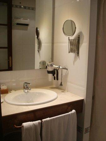 Hotel Don Paula: Baño hab. 4
