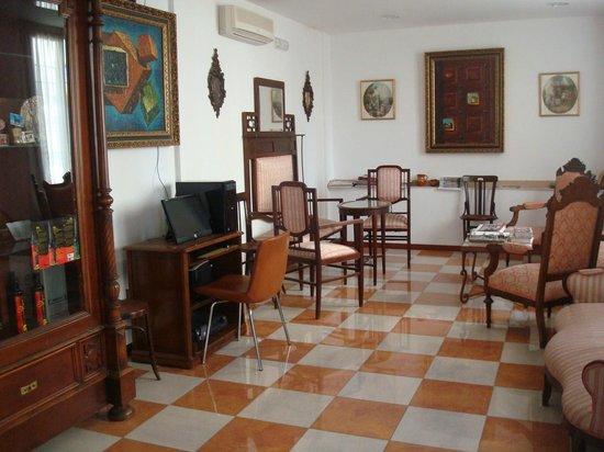 Hotel Don Paula: Sala de estar
