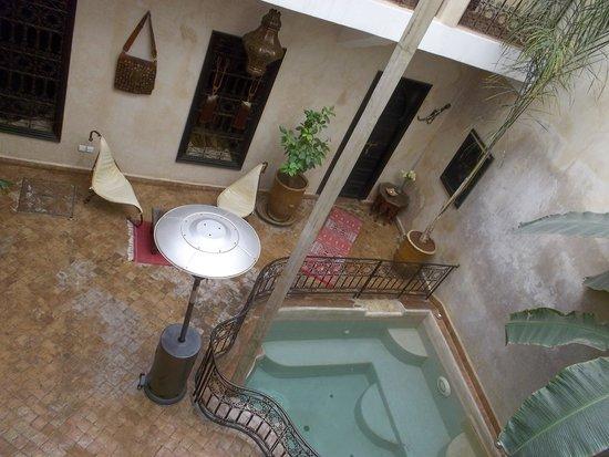 Riad Sharmance: patio