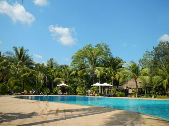 Angkor Century Resort & Spa: Piscina