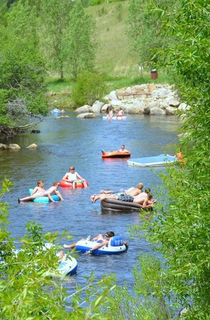 Steamboat Springs Chamber Resort Association Visitor Center: Tubing theYampa River - photo credit to Shannon Lukens